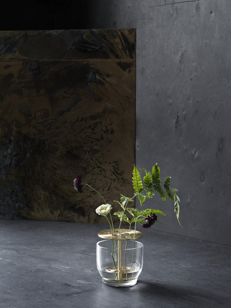 Ikebana vase lille